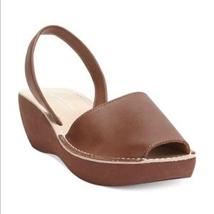 Kenneth Cole REACTION Women's Fine Glass Wedge 10